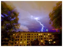 Krähenfüße (Pentaxgraf Berlin) Tags: langzeitbelichtung 20 sekunden photography photographer berlin sigma mm 1020 pentax blitz gewitter blitze storm