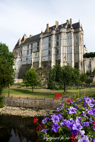 "Château de Châteaudun • <a style=""font-size:0.8em;"" href=""http://www.flickr.com/photos/151667760@N04/48332664656/"" target=""_blank"">View on Flickr</a>"