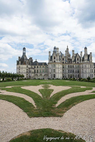 "Château de Chambord • <a style=""font-size:0.8em;"" href=""http://www.flickr.com/photos/151667760@N04/48332794527/"" target=""_blank"">View on Flickr</a>"