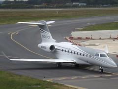 N280GD Gulfstream 280 (Gulfstream Aerospace Corporation) (Aircaft @ Gloucestershire Airport By James) Tags: luton airport n280gd gulfstream 280 aerospace corporation bizjet eggw james lloyds