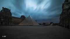 Belphegor (MF[FR]) Tags: paris france îledefrance long exposure pose longue lee filters big stopper samsung nx1 louvre musée museum ciel sky nuage clouds light lumière pyramide pyramid
