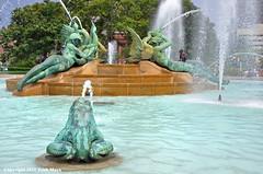 Think Cool (Trish Mayo) Tags: fountain logansquare phildelphia summer swannmemorialfountain art sculpture alexanderstirlingcalder