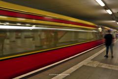 200/365 - Departing... (Sinuhé Bravo Photography) Tags: canon eos7dmarkii sbahn berlin longexposure subway metro