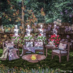 Mannequins in the Garden... (Tonny Rey) Tags: events swankevent deco furniture flowers animations garden dreamlanddesigns aphrodite