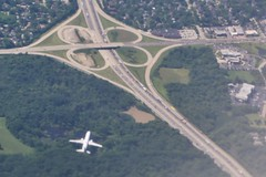 0U1A3606 - 05JUL - TUS-ORD - I-294 and US-34 41.818573, -87.914343 (colinLmiller) Tags: 2019 colinlmiller windowseat illinois i294 interstate highway us34 cloverleaf interchange airplane aircraft midway chicago