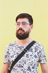 Mateus (fotografia analógica - Nikon F401S, 50mm 1.8, Kodak Ektar 100). (Paulisson K. Miura) Tags: kodak ektar 100 ektar100 filmphotography filmphoto filmcamera filmisnotdead analog analógica analogue analogcamera fotografiaanalógica 35mm 35mmfilm portrait retrato 50mm 18 cuiabá matogrosso brasil brazil brazilian