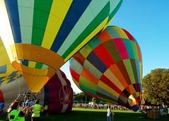 Ready... Steady... (Puckpics) Tags: launch balloon wisboroughgreen start balloonfestval sussex westsussex hotairballoon