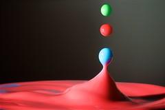 40/52 - Trio (m4mboo) Tags: 52 52project blue color colour drop drops form goutte green liquid milk motion red slow splash stoppedmotion trilogy