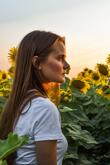 Sunset portrait (yedmitry) Tags: portrait sunflowers beauty girl woman sunset sun summer warm yellow field sky ukraine zaporozhye zaporizhzhia запорожье украина поле подсолнухи девушка закат портрет запоріжжя україна підсонячники літо лето июль липень july