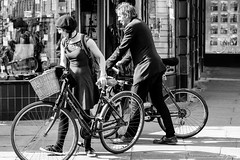 Beret (Cycling-Road-Hog) Tags: beret blackwhite candid canoneos750d citylife colour efs55250mmf456isstm edinburgh edinburghstreetphotography fashion monochrome people places scotland street streetphotography streetportrait style urban