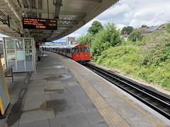 Bakerloo 3243 @Willesden Junction (Kris Davies (megara_rp)) Tags: willesden junction wij london underground overground bakerloo