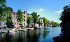 Goedemorgen Amsterdam (Dan Haug) Tags: goedemorgen goodmorning amsterdam nederland netherlands paysbas canal waterways morning jetlag vacation july 2019 xpro2 xf35mmf14r xf35mm panoramic fujifilm fujixseries mirrorless