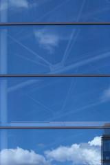 IMG_0661 (Mike Pechyonkin) Tags: 2019 moscow москва sky небо cloud облако house дом window окно reflection отражение