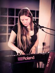 Nika Jonsson (designladen.com) Tags: annikajonsson konzert concert live p7193909 olympusem1markii olympus olympusm45mmf12 45mm