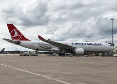Turkish Airlines Airbus A330-223 TC-LOH (josh83680) Tags: manchesterairport manchester airport man egcc tcloh airbus airbusa330223 a330223 airbusa330200 a330200 turkishairlines turkish airlines