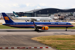 Icelandair | Boeing 757-300 | TF-ISX | 100 Years Icelandic Independence livery | London Heathrow (Dennis HKG) Tags: iceland icelandair ice fi aircraft airplane airport plane planespotting canon 7d 70200 london heathrow egll lhr boeing 757 757300 boeing757 boeing757300 tfisx