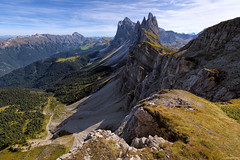 The Side Of Seceda (ttarpd) Tags: dolomites italy europe unesco world heritage site worldheritagesite naturalheritage alps nature landscape seceda val gardena valgardena south tyrol alpediseceda parco naturale cislesodle reserve odle odlegroup oritsei bolzano fermeda towers granfermeda picfermeda