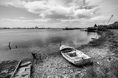 Ravenna Malinconica e abbandonata2 (Ondablv) Tags: portfolio lagunare fishing shed bn riflessi lago lake black white bianco nero marina romea huts shack ravenna mare sea laguna baracca rete pesca fish pescare riflettere riflessioni ondablv night vento malinconia water weather