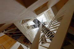 Up! | Crazy Stairs (picsessionphotoarts) Tags: treppe treppenhaus nikon nikonphotography nikonfotografie nikond850 urbanromantix architektur stairs staircase afszoomnikkor1424mmf28ged salzburg austria österreich downtown innenstadt modernart