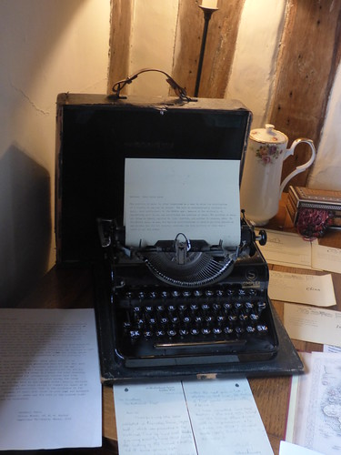 Paycocke's House - Cloth Room - desk - typewriter