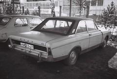 Ford 17M P7b (TinHunter) Tags: tinhunterarchive bw 80s 80er oldtimer youngtimer strasenverkehr ford 17m p7b
