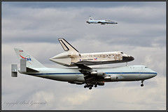 NASA TRIO - 747 T-38 and Shuttle Discovery - Landing approach (Bob Garrard) Tags: nasa trio 747 t38 shuttle discovery landing approach boeing enterprise talon smithsonian udvarhazy museum t dulles international airport iad kiad