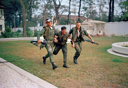 Saigon Jan. 31, 1968 - Đặc công VC tấn công Tòa đại sứ Mỹ