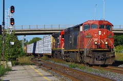 CN 2447 leads CN M377 01 (Railfan Center) Tags: cnm377 cn377 cn2447 cn2009 ef640h ge c408 c408m ef640b
