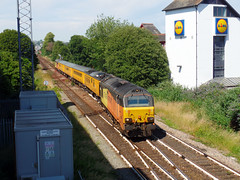 67027 & 67023 Paignton (1) (Marky7890) Tags: colasrail 67023 67027 class67 1q18 paignton railway devon rivieraline train