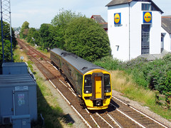 158766 Paignton (1) (Marky7890) Tags: gwr 158766 class158 expresssprinter 2a62 paignton railway devon rivieraline train