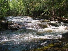 PREMIÈRE CHUTE SUR LA RIVIÈRE BLANCHE (Yvan Boudreault) Tags: chute cascade waterfall water eau landscape paysage