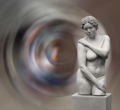 Delft Ceramica (Gerard Stolk ( vers l'ascension )) Tags: delft delftceramica naakt nude statue beeld borst