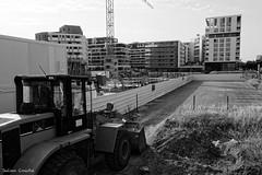 Cerné (Julien Coudsi) Tags: montpellier chantier urbanisme béton tracteur immeubles parking construction ville rue noiretblanc eos700d portmarianne