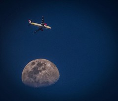 Airplane (wujuanca) Tags: moonshot moon moonlover avión airplane luna rionegro colombia vivaair sony astrofotografía astrophotography astrometrydotnet:id=nova3494837 astrometrydotnet:status=failed