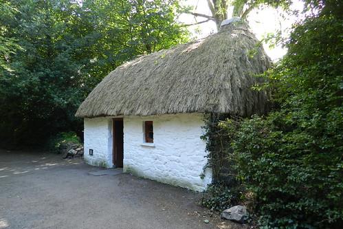 exterior casa tejado de paja Parque Folklorico de Bunratty Folk Park Republica de Irlanda 07