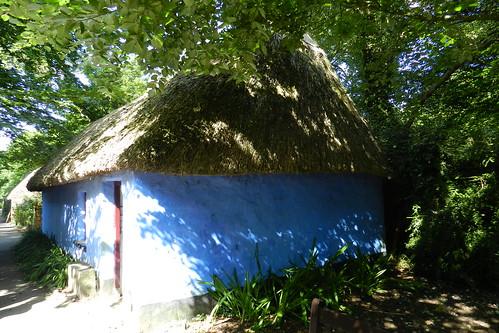 exterior casa tejado de paja Parque Folklorico de Bunratty Folk Park Republica de Irlanda 06