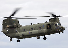 Chinook (Graham Paul Spicer) Tags: riat airtattoo tattoo ffd fairford raffairford airfield aircraft plane flying aviation display airshow uk boeing ch47 chinook helicopter heavy airlift transport cargo assault raf military royalairforce jointhelicopterforce jhf support