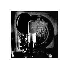 speak enlightenment (Armin Fuchs) Tags: arminfuchs lavillelaplusdangereuse mikro microphone mandala buddhism music musicalinstrument light shadow huawei smartphone huaweipsmart square