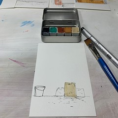 And then you ruin it by doing too much. #everydayaschoolday #10minsbeforebed #watercolor #scribbleart #doodle #lepigmentarium #copicmultiliner #doitfortheprocess #carveouttimeforart