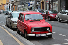 Renault R4 - Zagreb, Croatia (russ david) Tags: zagreb croatia zagrebu hnk travel balkans hrvatska republic republika november 2018 car capital