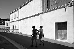 Mur-au-soleil (RS...) Tags: arles rue street mur wall soleil ombre shadow noiretblanc blackanswhite d500