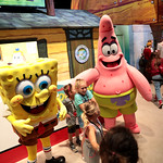 Spongebob Squarepants & Patrick cosplayers with attendees thumbnail