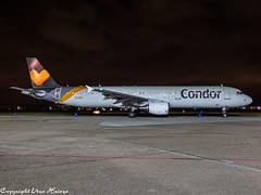 Condor YL-LCY HAJ at Night (U. Heinze) Tags: aircraft airlines airways airplane flugzeug planespotting plane olympus omd em1markii 12100mm haj hannoverlangenhagenairporthaj eddv night nightshot