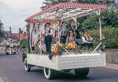 Carnival float, Cromer, Norfolk in 1962 (Gösta Knochenhauer) Tags: scanned colorslide analog analogue 1962 july film kodachrome voigtländer vito b vitob england united kingdom uk cromer norfolk new0043nik new0043 nik