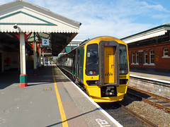 158766 Paignton (4) (Marky7890) Tags: train railway devon paignton gwr class158 expresssprinter 158766 rivieraline 2e44
