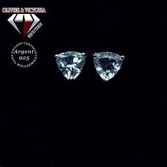 Boucles d'oreilles topaze bleue ciel triangles (olivier_victoria) Tags: topaze argent 925 oreille boucle doreille bleu ciel boucles doreilles triangle