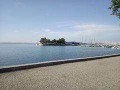 IMG_20190721_073326 (heizlergabor) Tags: yachts harbor monastery lake summer morning street palace old building