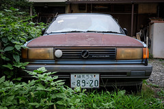 Full time four-wheel drive - ready to roll? (Senkawa Scott) Tags: oyama streetphotography old tokyo japan junk classiccar
