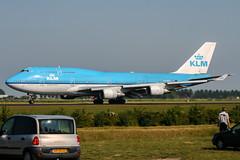 PH-BFT (PlanePixNase) Tags: amsterdam ams eham schiphol planespotting airport aircraft klm boeing 747 b744 747400 jumbo