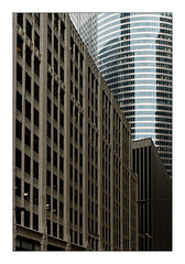 Chicago's buildings (Jean-Louis DUMAS) Tags: architecture architect architecte architectural architecturale bâtiment building reflets reflecting reflections immeuble buildiing colors chicago sony hiver winter neige city tour tower